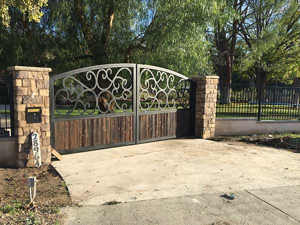 Decorative Steel & Wood Custom Driveway Gates