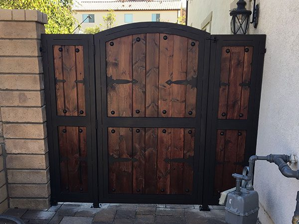 custom-metal-and-wood-gate